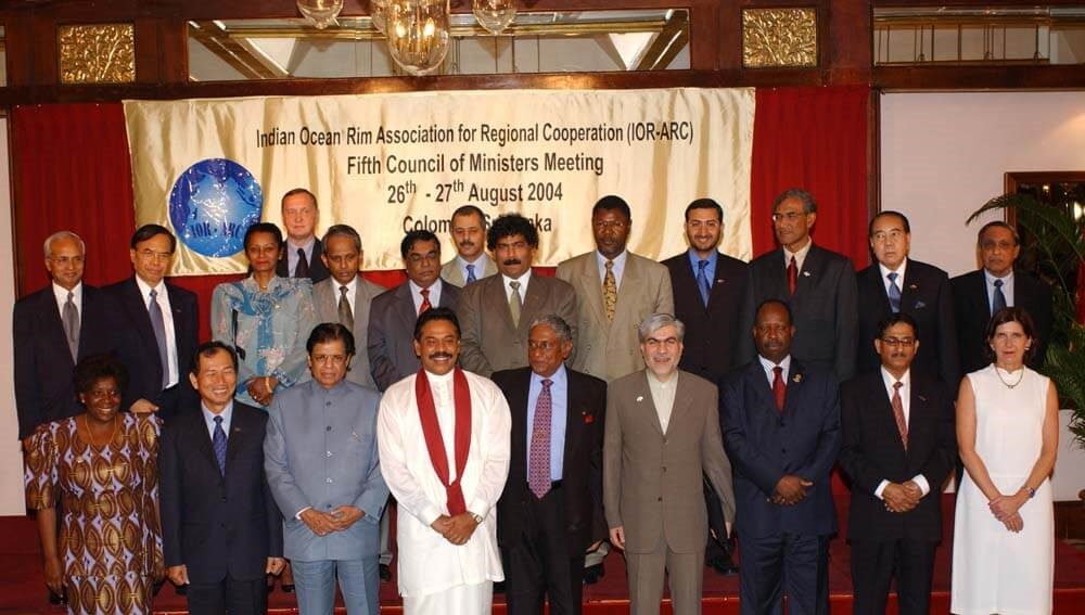 5th Meeting of the Council of Ministers (COM), Colombo, Sri Lanka, 26-27 August 2004