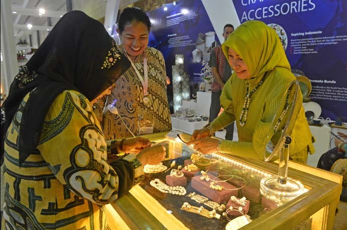 A visitor attending the IORA Trade and Tourism Exhibition on 6 March 2017 at the Jakarta Convention Center, Jakarta, Indonesia.