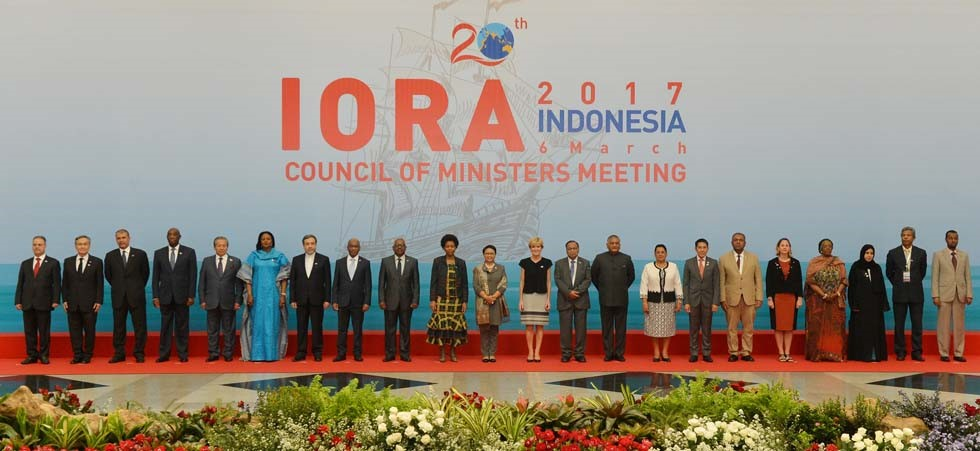 A number of Ministers of IORA Member States in a group picture before attending the Council of Ministers Meeting.