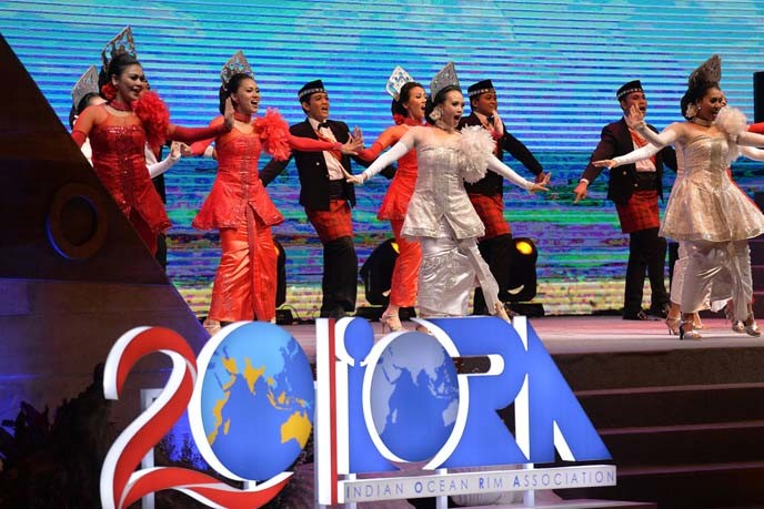 Several performers dance in a state banquet of the 2017 IORA Summit